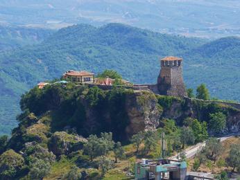 Na hradě v Krujë vedl národní hrdina Skanderbeg odboj proti Osmanům