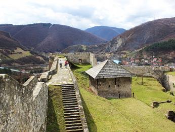 Pozůstatky nedobytné středověké pevnosti vJajce