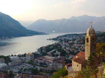 Starobylé město Kotor dalo název zálivu Boka Kotorska