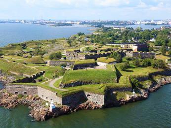 Pevnost Suomenlinna má zajímavé hradby hvězdicovitého tvaru