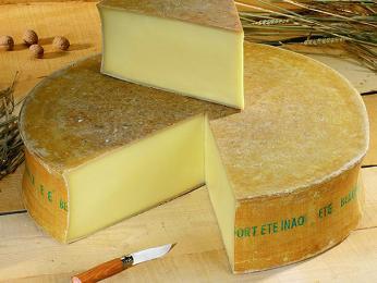 Beaufort – tvrdý sýr ze Savojska ve francouzských Alpách
