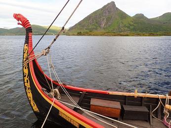 Replika vikinské lodě z 10. století