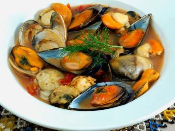 Bouillabaisse - rybí polévka připravovaná po staletí na jihu Francie