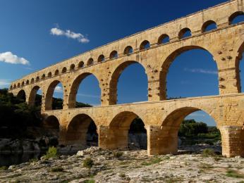 Akvadukt Pont du Gard je zázrakem římské stavební techniky