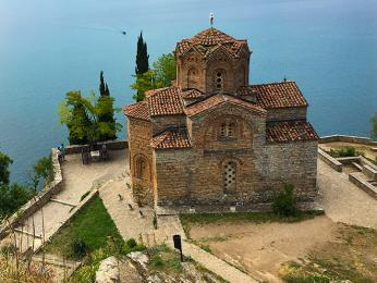 Byzantský kostel sv. Jana nad Ohridským jezerem