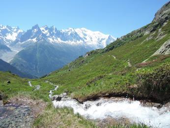 Výhled zmasivu Le Brévent na nejvyšší horu Evropy – Mont Blanc