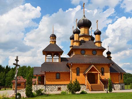 Dřevěný kostel ve skanzenu Dudutky