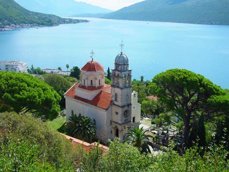 Pravoslavný klášter Savina je ozdobou města Herceg Novi