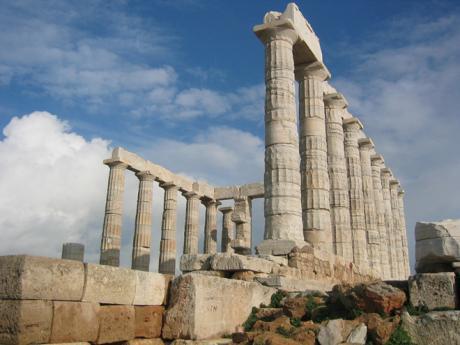 Poseidonův chrám na skalnatém výběžku Sounion