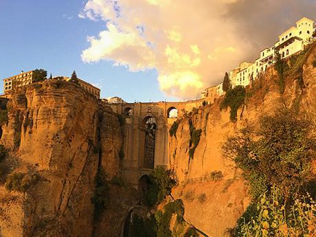 Město Ronda rozděluje na dvě části úchvatný most Puento Nuevo