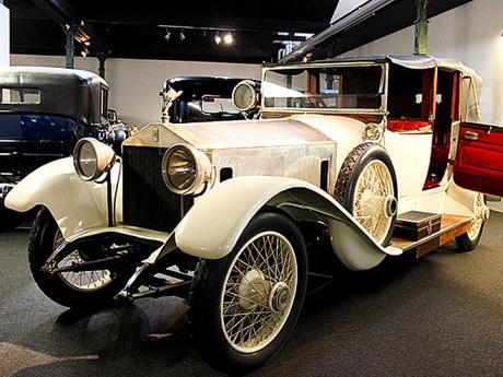Jeden zmnoha unikátních exponátů vmuzeu automobilů vMylhúzách