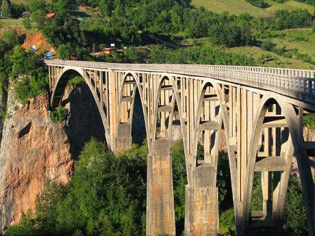Unikátní most Đurđevića Tara