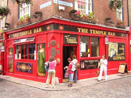 Slavný dublinský pub The Temple Bar