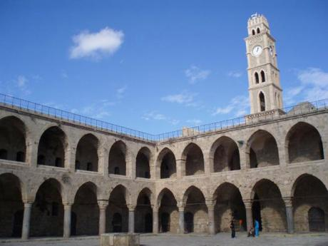Starobylý karavanseráj v Akku je největší vcelém Izraeli