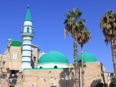 Džazzárova mešita v Akku z18.století, též známá jako Bílá mešita