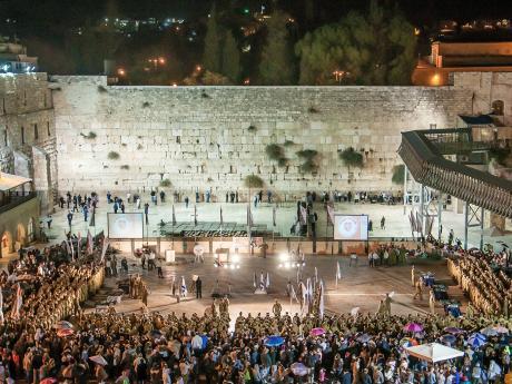 Večer u Zdi nářků včetně vojenské přehlídky