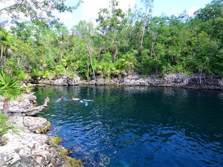 Cueva de los Peces je zatopená jeskyně ideální ke šnorchlování