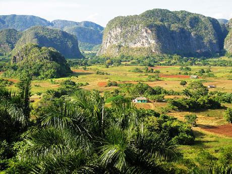 Krasová oblast národního parku Viñales je jednou znejkrásnějších částí Kuby