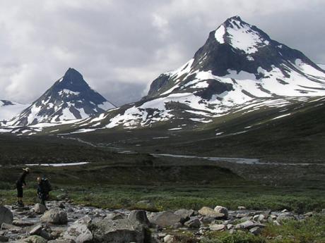 Zasněžené vrcholky Jotunheimenu