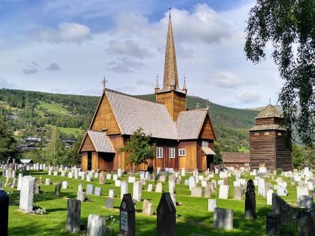 Kostelík ve Vågå, jeden zmnoha norských dřevěných kostelíků sloupového typu