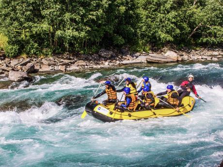 Dobrodružný rafting na řece Sjoa