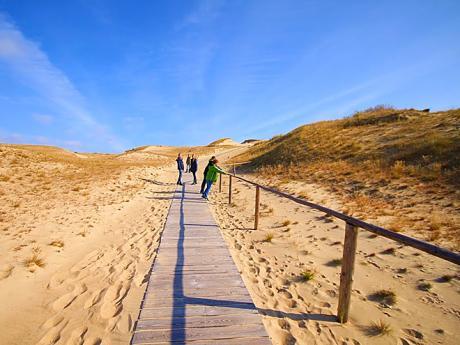 Procházka mezi písečnými dunami na Kurské kose