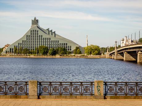 Moderní budova lotyšské národní knihovny