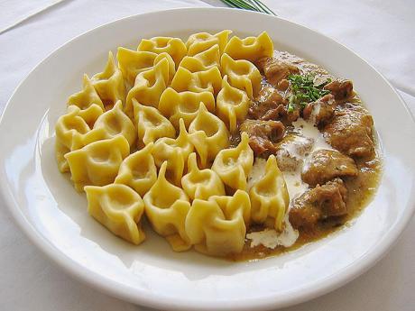 Slovinské těstovinové taštičky s náplní zvané žlikrofi