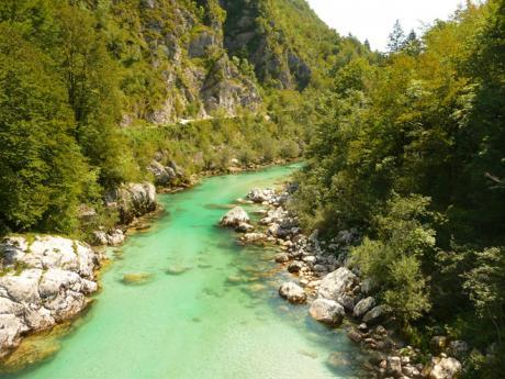 Alpská řeka Soča je rájem všech vodáků